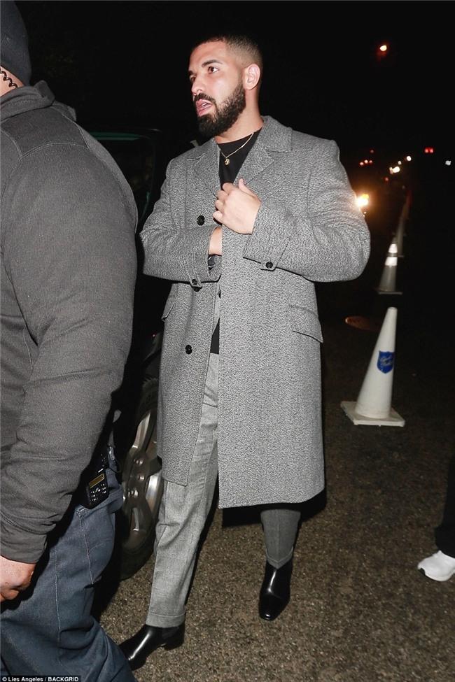 Quan trọng là thần thái, ảnh chụp lén ở góc xấu cũng không dìm được các mỹ nhân tại đêm tiệc tiền Oscar - Ảnh 15.