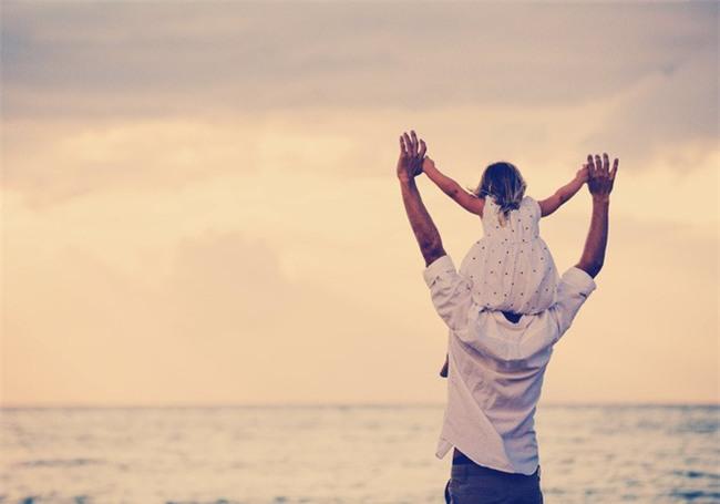 Con gái và câu chuyện về chồng nhặt của mẹ gây xúc động - Ảnh 1.