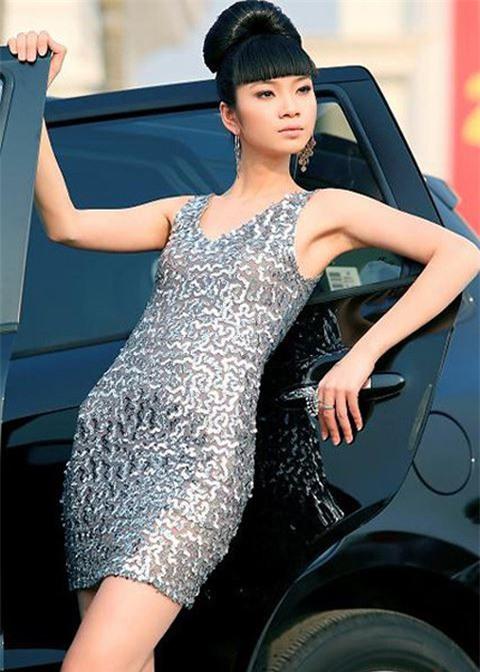 Chan dai Ha Vy: 'Toi tung tiep ruou dai gia voi gia 500-1.000 USD' hinh anh 1