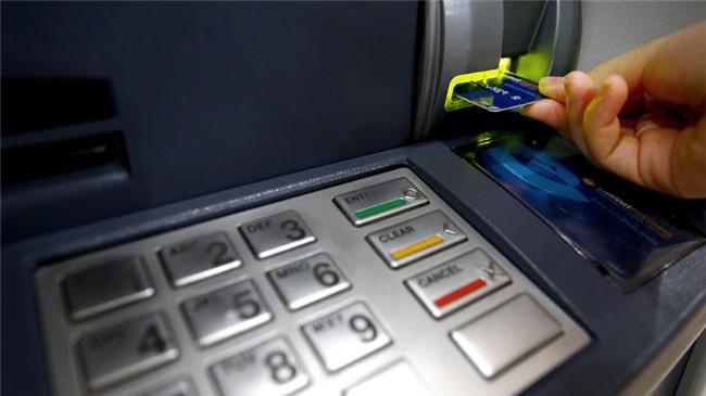 phí dịch vụ ngân hàng,Vietcombank,thu phí giao dịch ngân hàng,phí ATM,internet banking