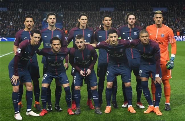Ronaldo toa sang dua Real vao tu ket Champions League hinh anh 1