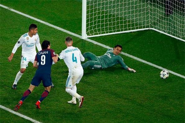 Ronaldo toa sang dua Real vao tu ket Champions League hinh anh 13