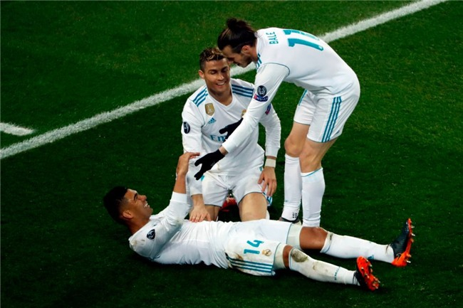 Ronaldo toa sang dua Real vao tu ket Champions League hinh anh 16