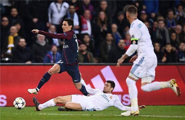 Ronaldo toa sang dua Real vao tu ket Champions League hinh anh 4