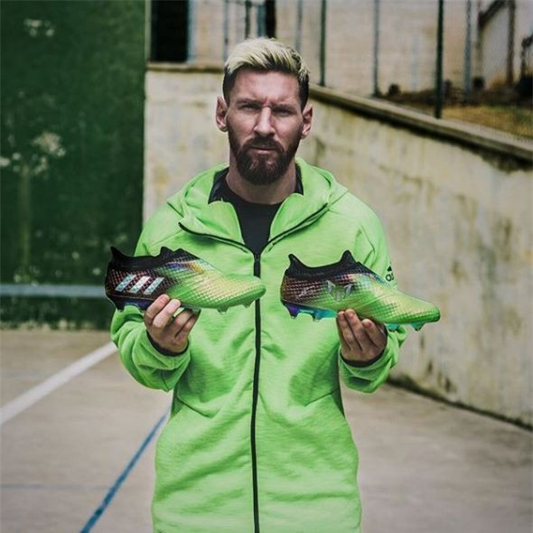 Bộ sưu tập giày thi đấu độc nhất từng được Messi sở hữu - Ảnh 10.