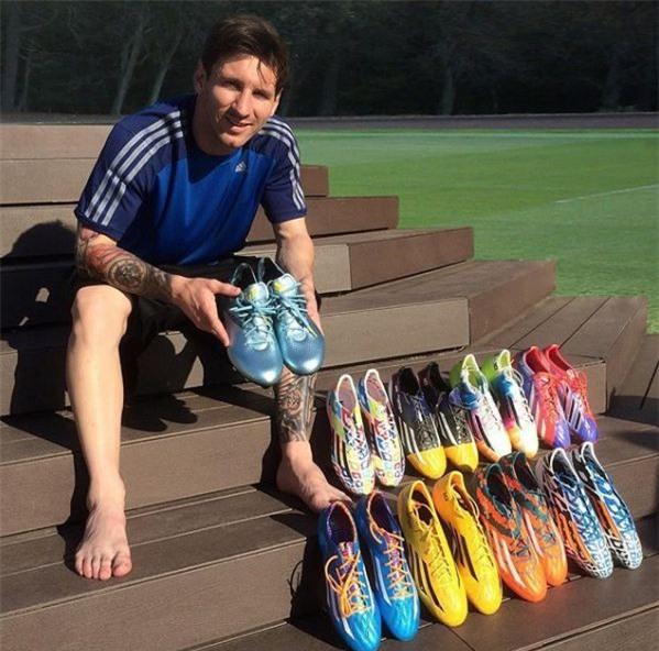 Bộ sưu tập giày thi đấu độc nhất từng được Messi sở hữu - Ảnh 9.