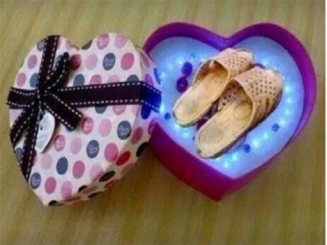 Cười không ngậm được mồm với những món quà 8.3 chị em nhận được từ người yêu-1
