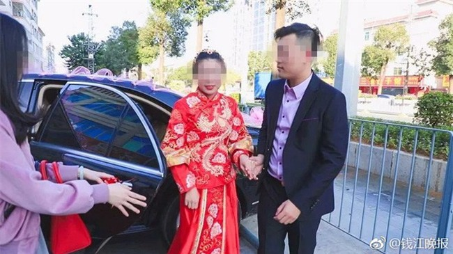 Bỏ ra hàng chục triệu cho bộ ảnh đám cưới, đôi vợ chồng trẻ nhận lại toàn ảnh cắt từ clip - Ảnh 2.