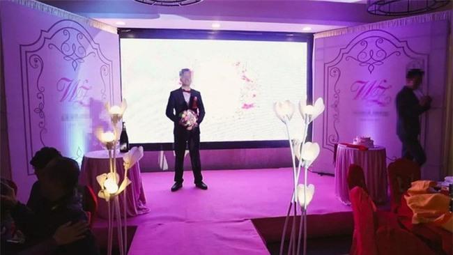 Bỏ ra hàng chục triệu cho bộ ảnh đám cưới, đôi vợ chồng trẻ nhận lại toàn ảnh cắt từ clip - Ảnh 4.