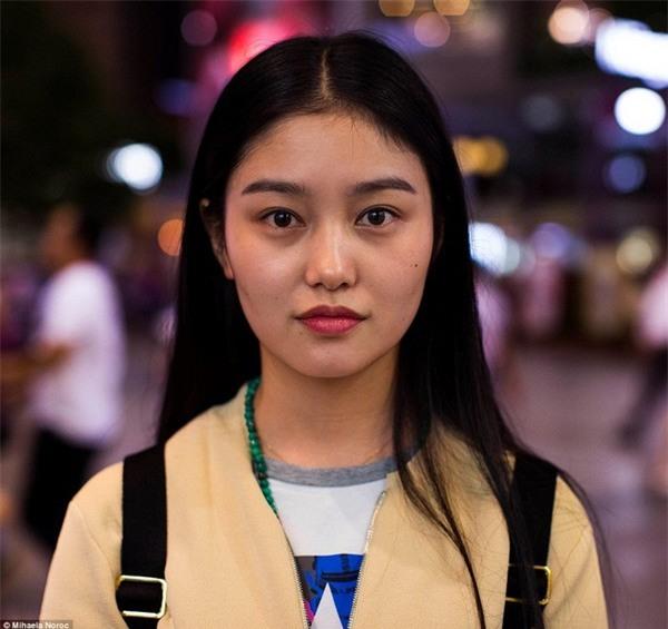 Chân dung cô gái sống tại Thành Đô, Trung Quốc