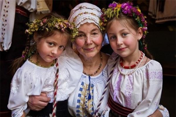 Chân dung 3 bà cháu tại Moldova