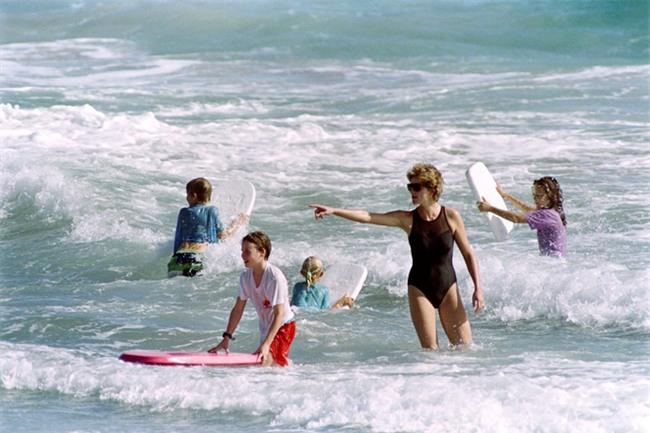 Cách làm mẹ của Công nương Diana vẫn luôn khiến các mẹ khắp thế giới ngưỡng mộ - Ảnh 11.