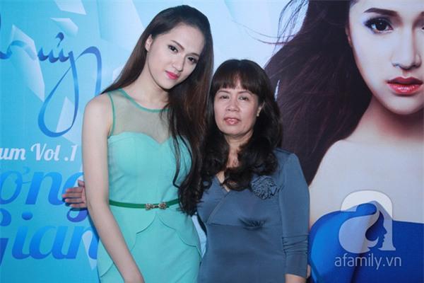 Mẹ Hương Giang Idol đã tự tha thứ cho chính mình sau 7 năm con chuyển giới-6
