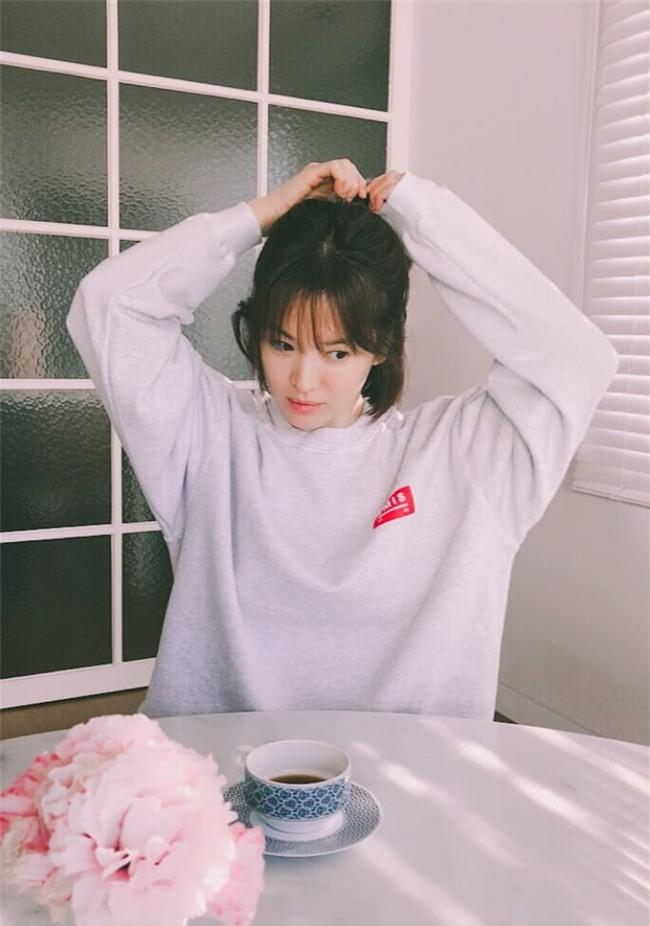 Bên trong tổ ấm Song Joong Ki - Song Hye Kyo: Nội thất tinh tế toàn hàng hiệu cùng sắc trắng tinh khôi - Ảnh 6.