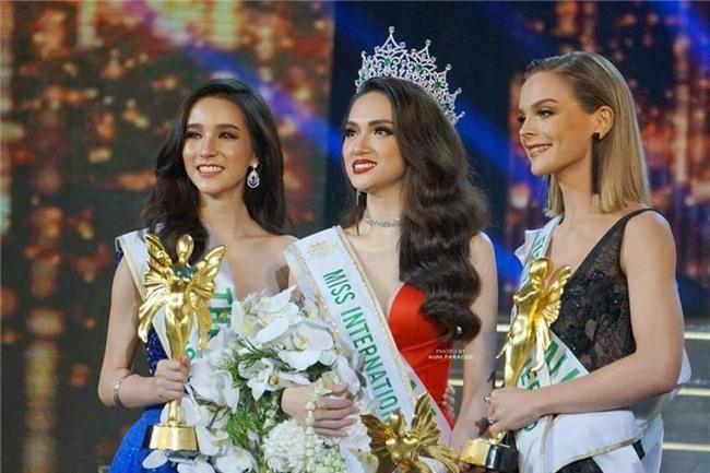 Đàm Vĩnh Hưng khóc khi Hương Giang Idol đăng quang Hoa hậu Chuyển giới Quốc tế 2018-1