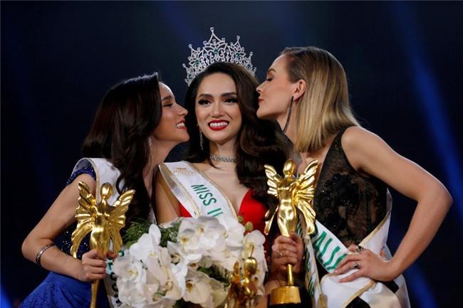 Không lập tức trở về nước, đây là kế hoạch của Hương Giang sau khi đăng quang Hoa hậu Chuyển giới Quốc tế 2018 - Ảnh 1.