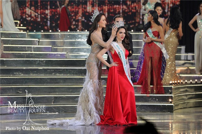 Cuộc thi sắc đẹp Hương Giang Idol vừa đăng quang có tầm vóc thế nào?