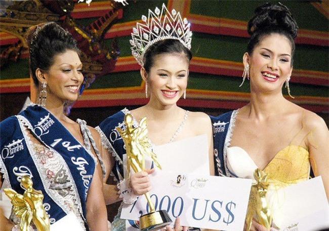 So găng nhan sắc của Hương Giang với 12 cựu Hoa hậu Chuyển giới Quốc tế: Ai hơn ai? - Ảnh 1.