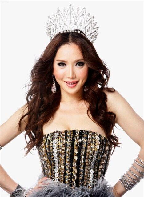 So găng nhan sắc của Hương Giang với 12 cựu Hoa hậu Chuyển giới Quốc tế: Ai hơn ai? - Ảnh 13.