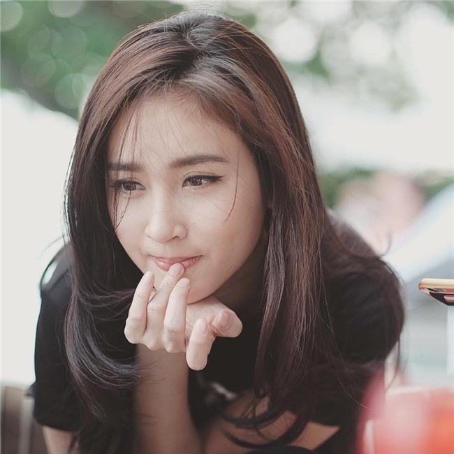 So găng nhan sắc của Hương Giang với 12 cựu Hoa hậu Chuyển giới Quốc tế: Ai hơn ai? - Ảnh 2.