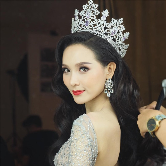 So găng nhan sắc của Hương Giang với 12 cựu Hoa hậu Chuyển giới Quốc tế: Ai hơn ai? - Ảnh 26.