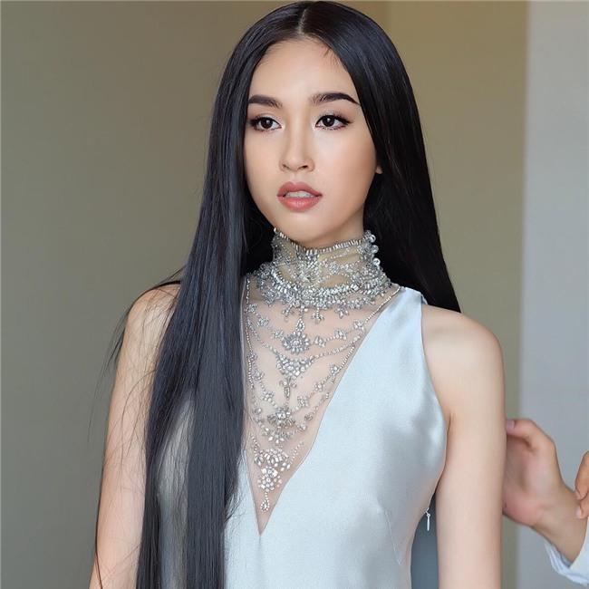 So găng nhan sắc của Hương Giang với 12 cựu Hoa hậu Chuyển giới Quốc tế: Ai hơn ai? - Ảnh 3.