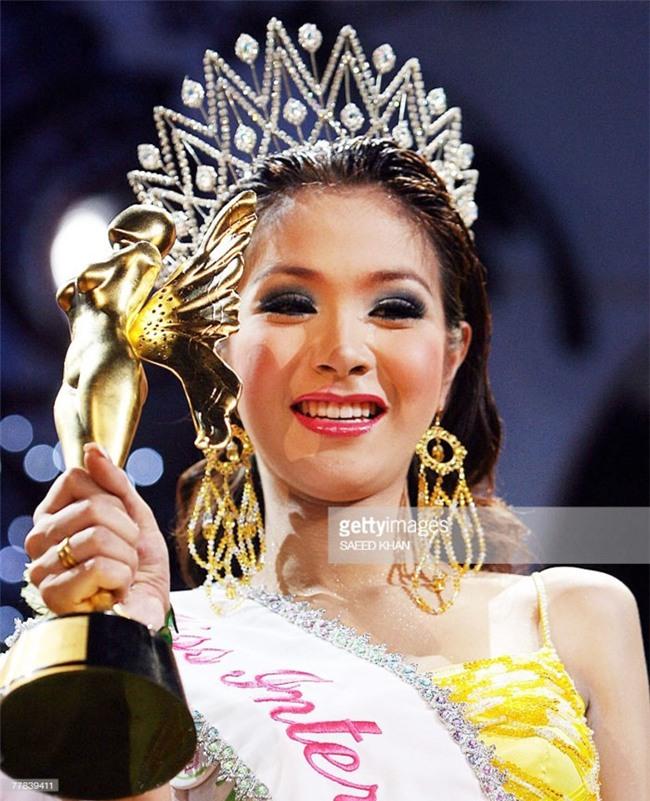 So găng nhan sắc của Hương Giang với 12 cựu Hoa hậu Chuyển giới Quốc tế: Ai hơn ai? - Ảnh 8.