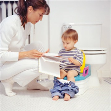 Táo bón kéo dài ở trẻ: Có thể dẫn đến suy dinh dưỡng - Ảnh 1.