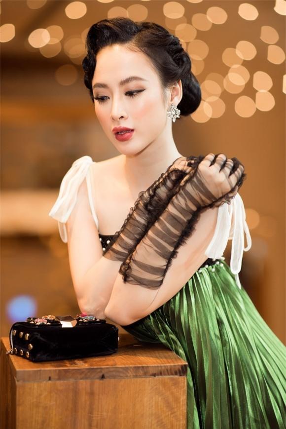 Angela Phương Trinh,Angela Phương Trinh khoe vòng ba,sao Việt