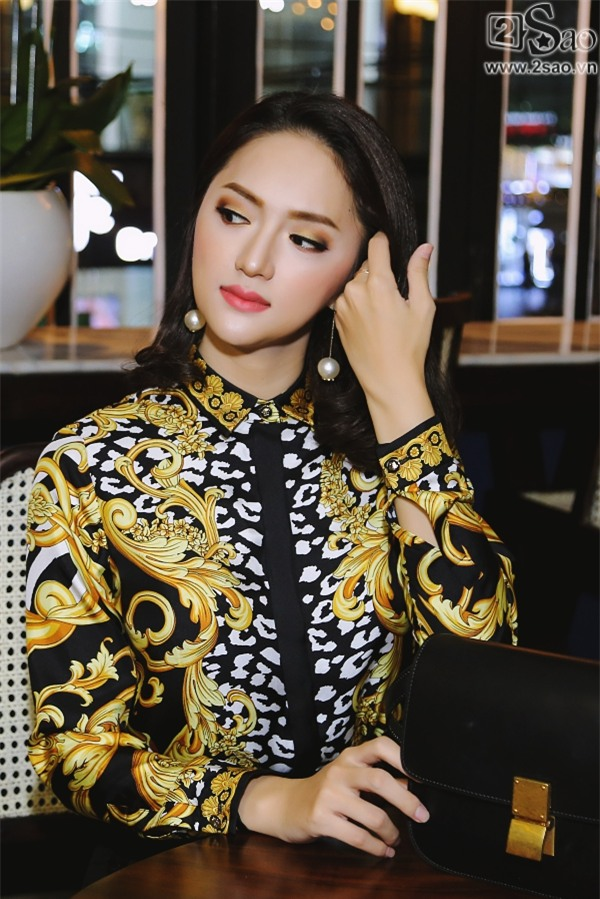 Túi xách trăm triệu của Hương Giang Idol đựng gì trước khi giúp chủ nhân xuất sắc đoạt ngôi Hoa hậu?-2
