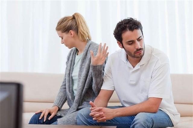 Phụ nữ muốn được chồng yêu chiều cả đời thì đừng dại dột nói ra 10 câu này, đặc biệt là điều số 6 - Ảnh 1.