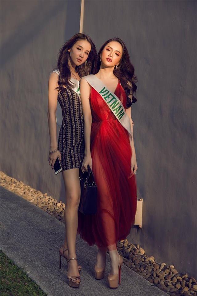 Giải thưởng khủng mà Hương Giang nhận được khi trở thành Tân Hoa hậu Chuyển giới Quốc tế 2018 - Ảnh 9.
