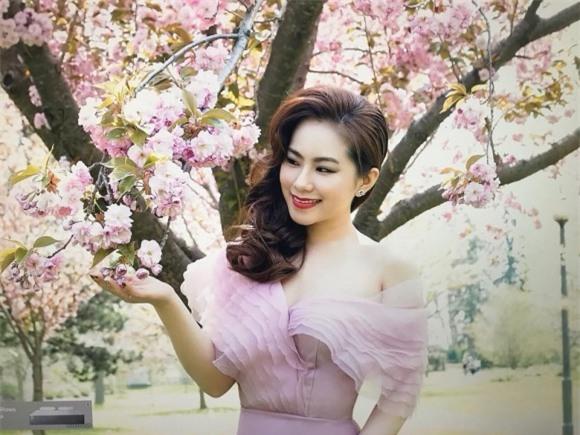 Khánh Đơn, Lương Bích Hữu, ca sĩ Khánh Đơn, Khánh Đơn và bạn gái mới