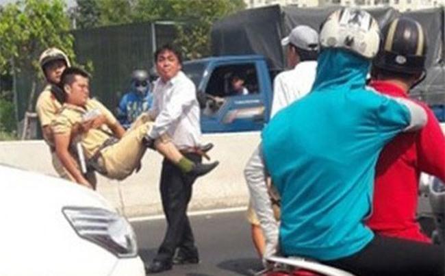 CSGT bị tông nguy kịch trong đêm khi ra hiệu dừng xe vi phạm