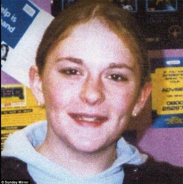 Scandal tình dục chấn động nước Anh: Hơn 1.000 cô gái tuổi chỉ từ 11 bị lạm dụng, ép sử dụng và buôn bán thuốc phiện suốt 40 năm - Ảnh 3.