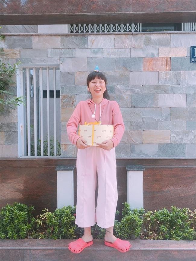 Bật cười khi xem Trang Hý hóa thân thành bà thím chia sẻ nỗi lòng người say tàu xe-2