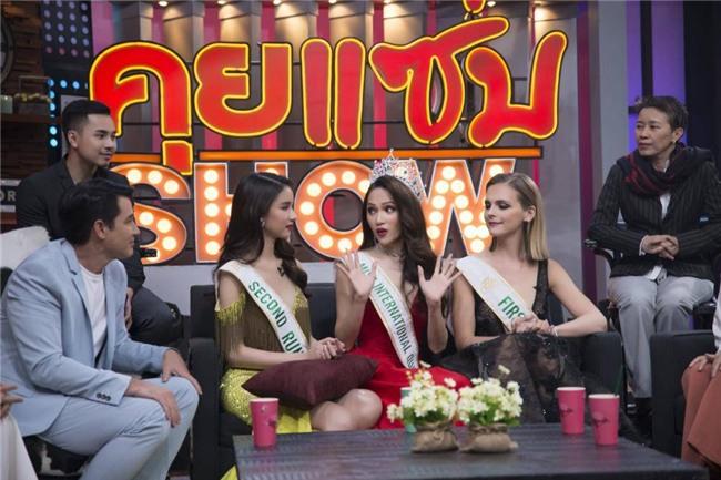 hot: huong giang dap tra cuc thong minh truoc tin don mua giai tren truyen thong thai lan - 5