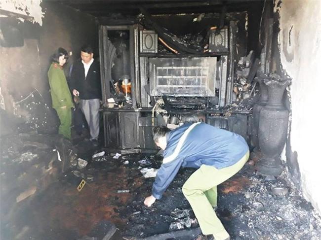 Cận cảnh hiện trường vụ cháy kinh hoàng làm 5 người tử vong ở Đà Lạt - Ảnh 1.