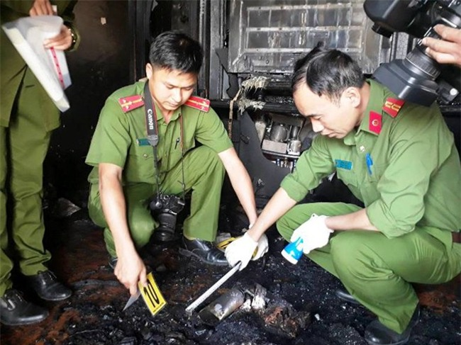 Cận cảnh hiện trường vụ cháy kinh hoàng làm 5 người tử vong ở Đà Lạt - Ảnh 2.