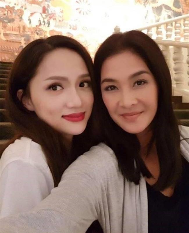 Ngoài Hương Giang Idol - Lukkade, làng giải trí Việt còn nhiều nghệ sĩ tình thân mến thân với sao quốc tế-1