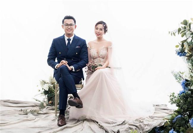 MC Chúng tôi là chiến sĩ khoe loạt ảnh cưới lãng mạn