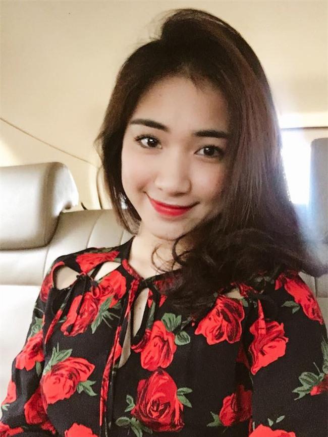 Vừa chính thức công khai hẹn hò, bạn trai mới đã gọi Hòa Minzy là vợ khiến fan xôn xao bàn tán - Ảnh 3.