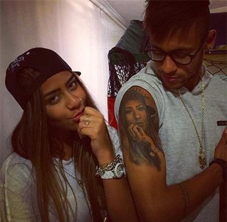 Neymar từng đi xăm hình em gái