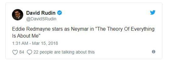 Ngồi xe lăn đóng giả Stephen Hawking, Neymar bị ném đá tơi bời - Ảnh 5.