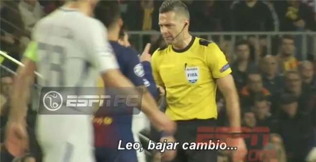 Messi dằn mặt trọng tài vì bị quát tháo - Ảnh 2.