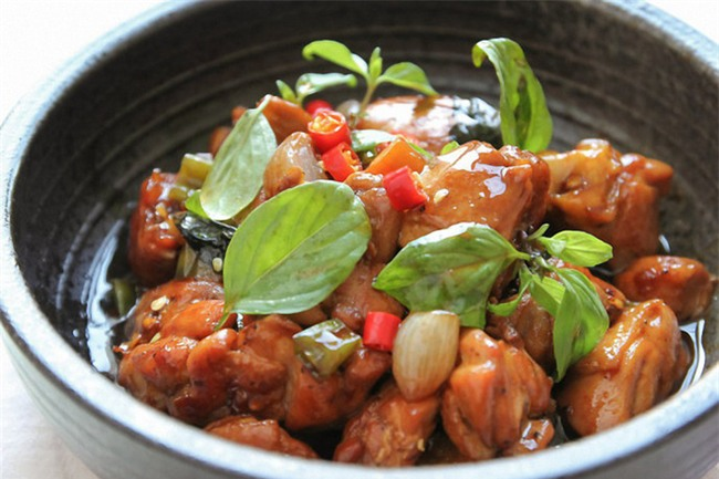 Cơm tối hết veo với món thịt gà rim mắm đậm đà ngon miệng - Ảnh 7.