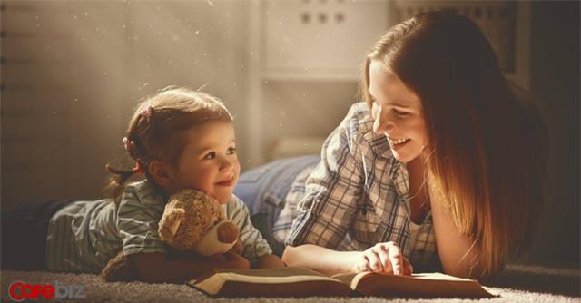 Nghẹn ngào bức tâm thư gửi đứa con lười đọc sách: Con phải tin mẹ, đọc sách là khoản đầu tư có lãi nhất của đời người - Ảnh 1.