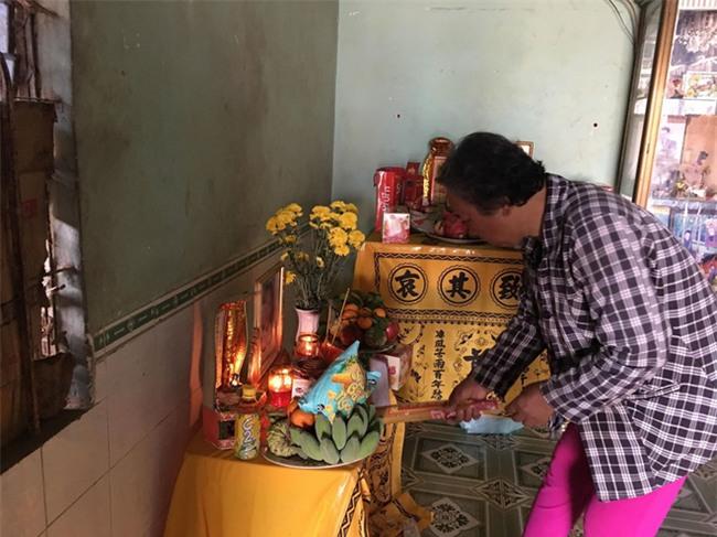 Nghi phạm hiếp dâm rồi sát hại bé gái 4 tuổi ở Bình Phước từng được gia đình nạn nhân cưu mang, cho ở nhờ 7 năm không lấy tiền - Ảnh 3.