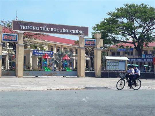 Vụ cô giáo bị buộc quỳ gối: Nhà trường và phụ huynh họp khẩn
