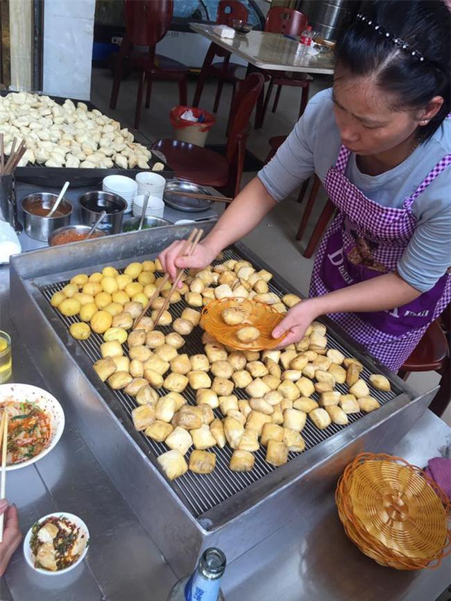 Hà Khẩu - điểm du lịch đi vừa gần, vừa dễ lại nhiều đồ ăn ngon của Trung Quốc - Ảnh 12.